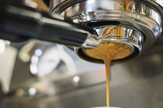 Woman Sues Starbucks After Drinking Coffee Containing Cleaning